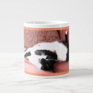 ジャンボ猫の昼寝の写真のマグ ジャンボコーヒーマグカップ