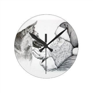 ジャーマン・シェパードおよびサンタ ラウンド壁時計