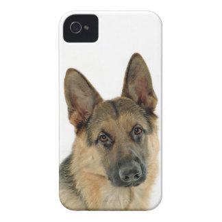 ジャーマン・シェパードによって愛される及び保護されて Case-Mate iPhone 4 ケース