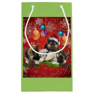 ジャーマン・シェパードの子犬の休日のギフトバッグ スモールペーパーバッグ