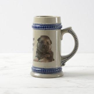ジャーマン・シェパードの子犬 ビールジョッキ