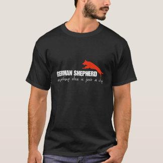ジャーマン・シェパードのTシャツの黒 Tシャツ