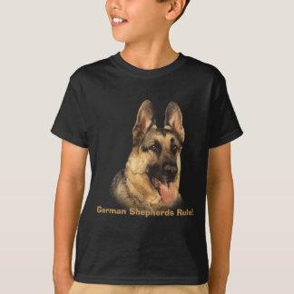 ジャーマン・シェパードはユニセックスなTシャツをからかいます Tシャツ