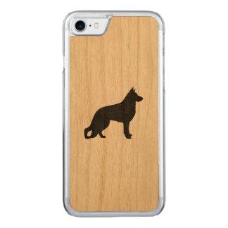 ジャーマン・シェパード犬のシルエット CARVED iPhone 8/7 ケース