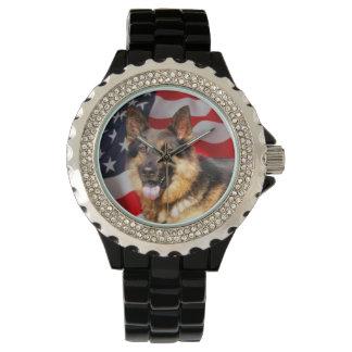 ジャーマン・シェパード犬の愛国者の赤く青い白 腕時計
