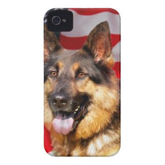 ジャーマン・シェパード犬の愛国者の赤く青い白 Case-Mate iPhone 4 ケース