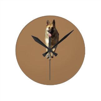 ジャーマン・シェパード犬の時計 ラウンド壁時計