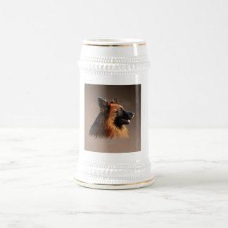 ジャーマン・シェパード犬の水彩画の芸術のポートレート ビールジョッキ