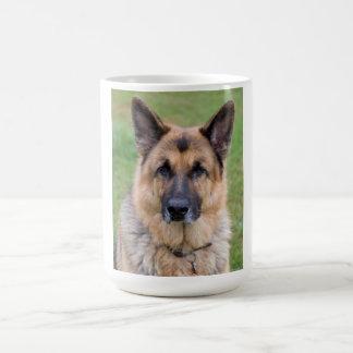 ジャーマン・シェパード犬の美しい写真のマグ コーヒーマグカップ