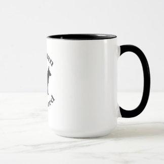 ジャーマン・シェパード犬の黒のシルエットの足のプリント マグカップ