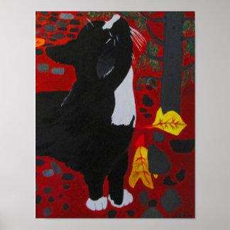 ジュリアハナ著ヒマラヤスギ木をくんくんかいでいるボビー猫 ポスター
