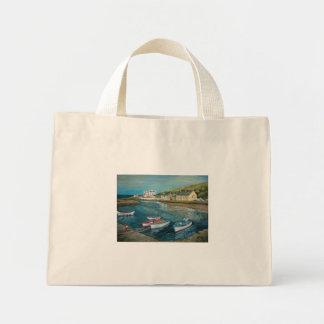ジョアンヌCasey著湾のホテルのCushendunの油絵- ミニトートバッグ
