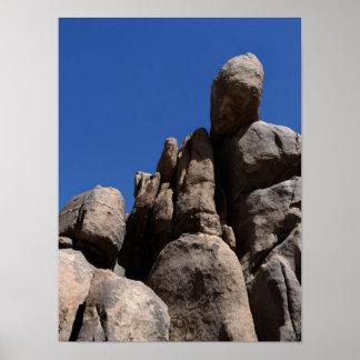 ジョシュアツリーの国立公園の石 ポスター