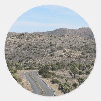 ジョシュアツリーの国立公園の道 ラウンドシール
