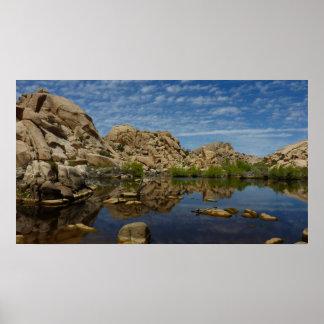 ジョシュアツリーの国立公園のBarkerのダムの反射 ポスター
