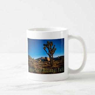 ジョシュアツリーの国立公園 コーヒーマグカップ