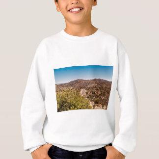 ジョシュアツリーの孤独な砂漠の道 スウェットシャツ