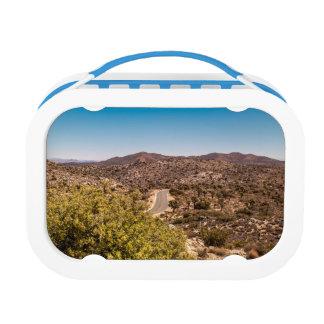 ジョシュアツリーの孤独な砂漠の道 ランチボックス