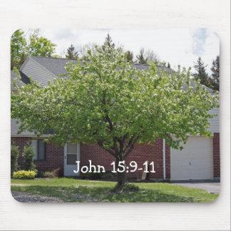 ジョンの15:9 - 11花盛りの木のマウスパッド マウスパッド