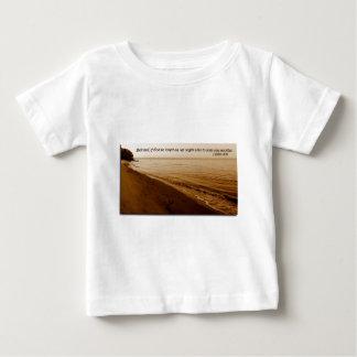 ジョンの1 4:11 ベビーTシャツ