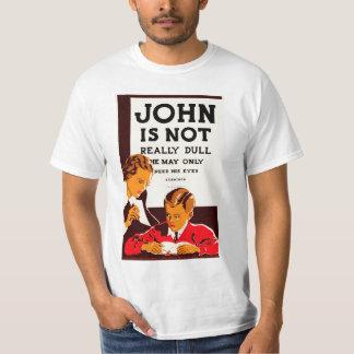 ジョンは実際に鈍くないです Tシャツ