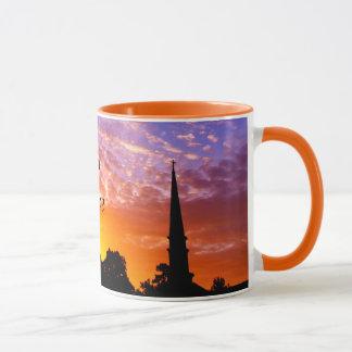 ジョンソン果樹園-オレンジ日没のキリストの教会 マグカップ