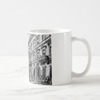 ジョヴァンニ・バッティスタ・ピラネージ著ローマのCorso コーヒーマグカップ