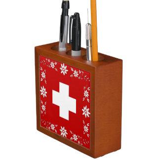 スイスの旗およびedelweiss ペンスタンド