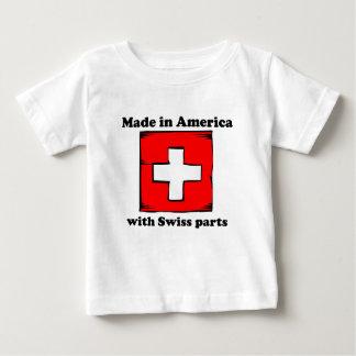 スイスの部品が付いているアメリカで作られる ベビーTシャツ