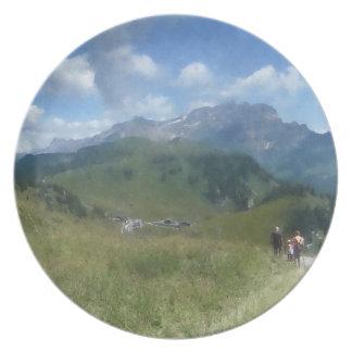 スイス人のプレート- Bretayesに歩きます パーティープレート