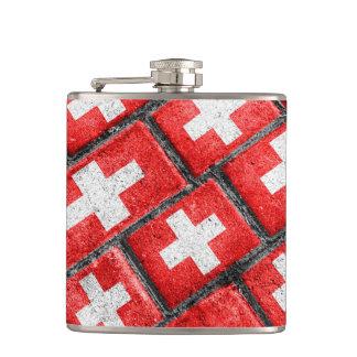 スイス連邦共和国の旗の都市グランジなパターン フラスク