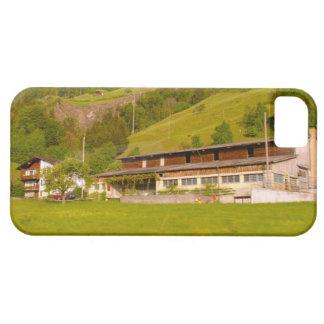 スイス連邦共和国、ルツェルンの田園農場 iPhone SE/5/5s ケース