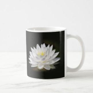 スイレンの白熱 コーヒーマグカップ