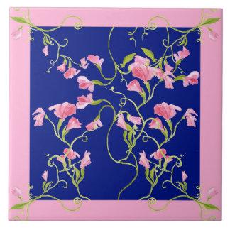 スイートピーによっては濃紺のピンクが開花します タイル