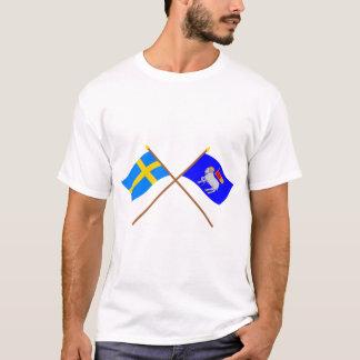 スウェーデンおよびGotlandsの交差させたlänの旗 Tシャツ