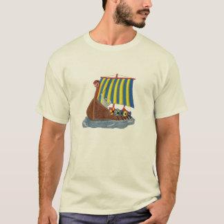 スウェーデンのバイキングの船のスカンジナビアの帆船 Tシャツ