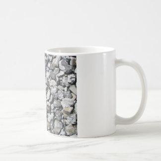 スウェーデンのビーチの石 コーヒーマグカップ