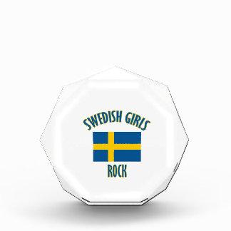 スウェーデンの女の子の石のデザイン 表彰盾