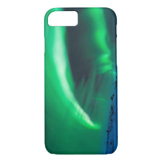 スウェーデンのMt Nuolja上のNorthern Lights iPhone 8/7ケース