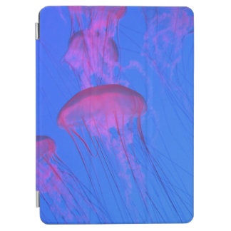 スカイブルーの海のピンクのクラゲ iPad AIR カバー