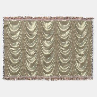 スカラップで仕上がる金属金ルーシュで飾られたサテンの生地 スローブランケット