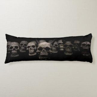 スカルのレーアの抱き枕 ボディピロー