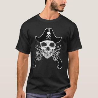 スカルの海賊及びピストル人の基本的な暗いTシャツ Tシャツ