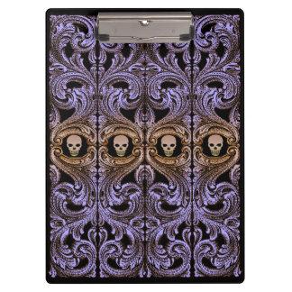 スカルを搭載するゴシックの紫色のオーナメント クリップボード