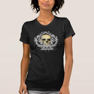 スカルを搭載するスペードのグランジなスタイルの黒のエース… Tシャツ