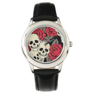 スカル及びバラのステンレス鋼の黒 腕時計