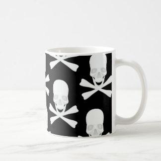 スカル及び交差させた骨のデザイン コーヒーマグカップ
