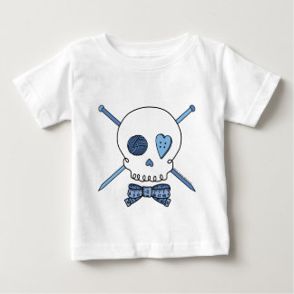 スカル及び編み物針(青い) ベビーTシャツ