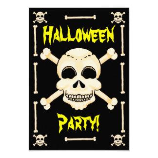 スカル及び骨が交差した図形のハローウィンパーティの招待状 カード