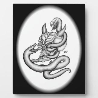 スカル-ヘビが付いている悪魔の頭部 フォトプラーク